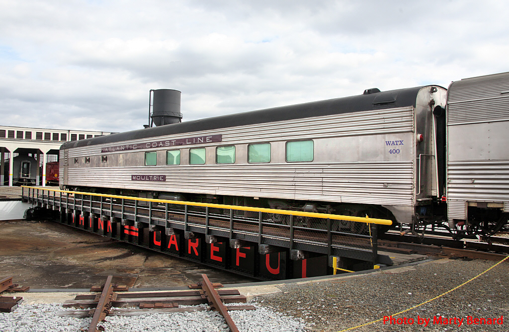 Moultrie Lightweight Dining Car